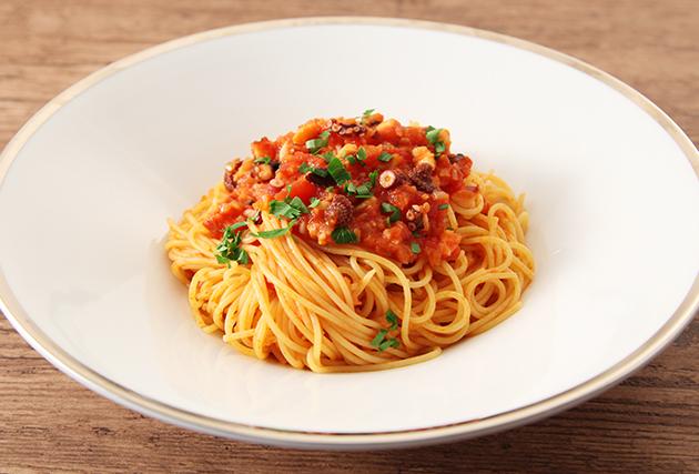 7.器に盛り付け、イタリアンパセリを散らす。